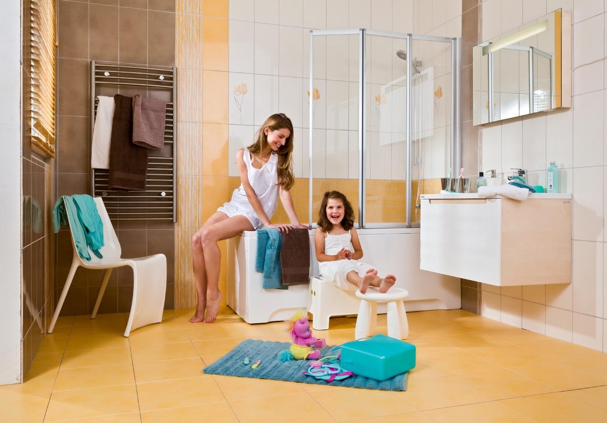 Jól bevált ívek, vonalak és határozott szögletesség gondoskodik róla, hogy a hagyományos fürdőszoba bútorok, a kád és a mosdókagyló összhangja egy igazi otthon atmoszféráját teremtse meg a fürdőszobában.